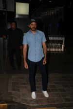 Riteish Deshmukh Spotted At A Restaurant In Bandra on 6th April 2018 (5)_5ac9a7823fd72.jpeg