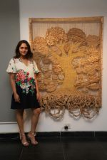 Sanjana Shah at the inauguration of Seema Kohli Art Show What A Body Remembers on 6th April 2018 _5ac98ece08f5b.JPG