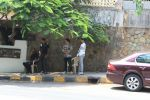 Sohail & Arbaaz Khan_s sons spotted at Hakim Alim in bandra on 7th April 2018 (5)_5ac9aca8ad5a4.JPG