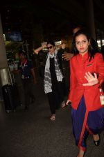 Tabu Return From Jodhpur Spotted At Airport on 6th April 2018 (16)_5ac992264c693.JPG