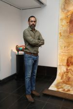 Vivek Sharma at the inauguration of Seema Kohli Art Show What A Body Remembers on 6th April 2018_5ac98ed54358c.JPG