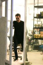 Anil Kapoor Spotted At BBLUNT Salon In Bandra on 8th April 2018 (3)_5acb09a9aad27.jpg