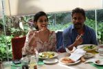 Shoojit Sircar, Banita Sandhu promote film October and celebrate the spirit of hotel employees at the staff canteen of Holiday Inn Hotel in andheri, mumbai on 9th April 2018 (55)_5acc54d2a04f9.JPG
