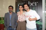 Varun Dhawan, Shoojit Sircar, Banita Sandhu promote film October and celebrate the spirit of hotel employees at the staff canteen of Holiday Inn Hotel in andheri, mumbai on 9th April 2018 (68)_5acc54dd26c0a.JPG