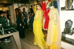 Esha Gupta at the launch of sister Neha Gupta_s festive collection in Atosa , Khar in mumbai on 10th April 2018 (8)_5acdb27ddd1cf.JPG