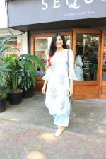Adah Sharma spotted at bandra on 11th April 2018 (4)_5aceffa5aea43.JPG