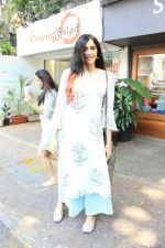 Adah Sharma spotted at bandra on 11th April 2018 (6)_5aceffaa5e5f2.JPG