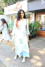 Adah Sharma spotted at bandra on 11th April 2018 (7)_5aceffabd4893.JPG