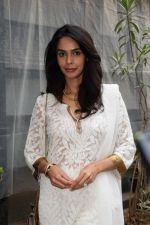 Mallika sherawat Spotted at Indigo andheri on 17th April 2018 (5)_5adf2ccc68c10.JPG