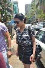 Shruti Haasan spotted at bandra on 16th April 2018 (1)_5adec03ee069d.JPG