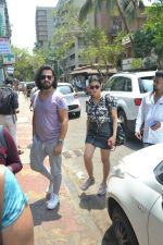 Shruti Haasan spotted at bandra on 16th April 2018 (2)_5adec040c3395.JPG
