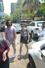 Shruti Haasan spotted at bandra on 16th April 2018 (3)_5adec042e434f.JPG