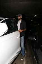 Abhay Deol spotted At Airport on 17th April 2018 (24)_5adf2d40cf602.JPG