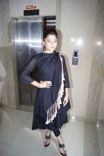 Kanika Kapoor at the launch of First Ever Devotional Song Ik Onkar on 17th April 2018 (4)_5adf2ed7c3fcb.JPG