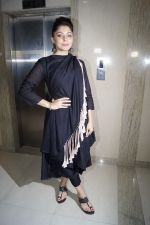 Kanika Kapoor at the launch of First Ever Devotional Song Ik Onkar on 17th April 2018 (5)_5adf2eda97de6.JPG