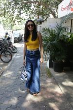 Amruta Khanvilkar spotted at bandra on 22nd April 2018 (6)_5ae074ac56d57.JPG