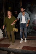Armaan Jain, Reema Jain, Aadar Jain Celebrate The Birthday Of Babita on 19th April 2018 (27)_5ae02df19dbdb.JPG