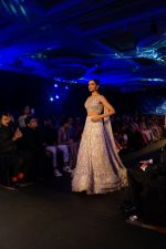 Deepika Padukone walk the ramp at Manish Malhotra_s Mijwan show in mumbai on 19th April 2018  (31)_5ae0437016a32.JPG