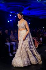 Deepika Padukone walk the ramp at Manish Malhotra_s Mijwan show in mumbai on 19th April 2018 (23)_5ae0439911109.JPG