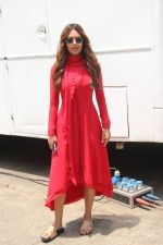 Esha Gupta spotted at her upcoming_ film Devil Daughter_s set on 18th April 2018 (1)_5ae01653dc470.JPG