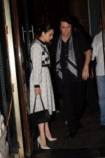 Karisma Kapoor, Babita, Randhir Kapoor Celebrate The Birthday Of Babita on 19th April 2018 (27)_5ae02e099efb5.JPG