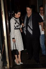 Karisma Kapoor, Babita, Randhir Kapoor Celebrate The Birthday Of Babita on 19th April 2018 (28)_5ae02e3b842d4.JPG