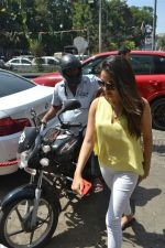 Mira Rajput spotted at bandra on 20th April 2018 (1)_5ae0482198417.JPG