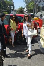 Mira Rajput spotted at bandra on 20th April 2018 (5)_5ae0482517d85.JPG