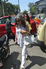 Mira Rajput spotted at bandra on 20th April 2018 (9)_5ae04830a64d9.JPG
