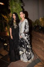 Rhea Kapoor, Sonam Kapoor at a wedding reception at The Club in Mumbai on 22nd April 2018 (1)_5ae052d9becbb.JPG