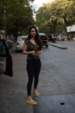 Saundarya Sharma spotted at a restaurant in juhu on 19th April 2018  (10)_5ae044a572680.JPG