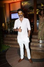 Sikander Kher attend a wedding reception at The Club andheri in mumbai on 22nd April 2018  (12)_5ae074d85ddff.jpg