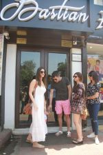 Vaani Kapoor spotted at Bastian restaurant in bandra, mumbai on 20th April 2018 (8)_5ae0489f5bb7c.JPG