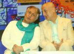 Anupam Kher, Amjad Ali Khan at Deenanath Mangeshkar Smruti Pratishtan Awards 2018 on 25th April 2018 (32)_5ae162eb5e548.JPG
