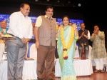 Asha Bhosle at Deenanath Mangeshkar Smruti Pratishtan Awards 2018 on 25th April 2018 (22)_5ae163ccba306.JPG