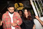 Aishwarya Rai Bachchan, Abhishek Bachchan snapped at Grandmama�s All Day Cafe on 28th April 2018 (1)_5ae567fa24fa5.JPG