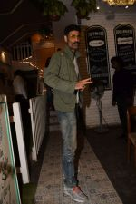 Sikander Kher snapped at Grandmama�s All Day Cafe on 28th April 2018 (7)_5ae567310ef03.JPG