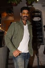 Sikander Kher snapped at Grandmama�s All Day Cafe on 28th April 2018 (9)_5ae56738c24a6.JPG