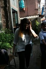 Huma Qureshi spotted at Pali village Cafe in bandra on 30th April 2018 (9)_5ae819b45729c.JPG