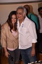 Neetu Chandra, Hansal mehta at the Screening Of Film Omerta on 30th April 2018 (9)_5ae81603247fe.JPG