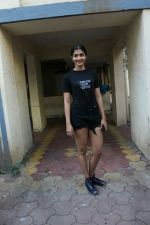 Pooja hegde spotted at Bandra on 30th April 2018 (1)_5ae819ea52ab6.JPG