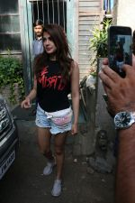 Rhea Chakraborty spotted at Pali village Cafe in bandra on 30th April 2018 (4)_5ae819e232f18.JPG