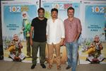 R Balki, Rajkumar Hirani at the Screening of 102 NotOut in Sunny Super sound, juhu on 1st May 2018 (82)_5ae957e39db1c.jpg