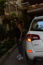 Daisy Shah spotted at sunny sound studio in juhu, mumbai on 5th May 2018 (4)_5af05f53a9b7b.JPG
