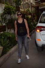 Daisy Shah spotted at sunny sound studio in juhu, mumbai on 5th May 2018 (6)_5af05f56ca324.JPG