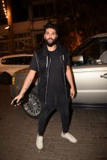 Kunal Rawal spotted at Anil Kapoor_s house in juhu, mumbai on 5th May 2018 (31)_5af05f08e20ec.JPG