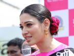 Tamannaah at the launch of B New Mobile Store in Proddatu on 5th May 2018 (44)_5af06a8f00615.jpg