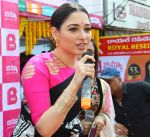 Tamannaah at the launch of B New Mobile Store in Proddatu on 5th May 2018 (49)_5af06a968d0f6.jpg