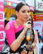 Tamannaah at the launch of B New Mobile Store in Proddatu on 5th May 2018 (59)_5af06aa3acdd8.jpg