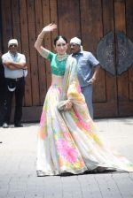 Karisma Kapoor at Sonam Kapoor Anand Ahuja_s wedding in rockdale bandra on 8th May 2018 (57)_5af18c3cb3255.JPG